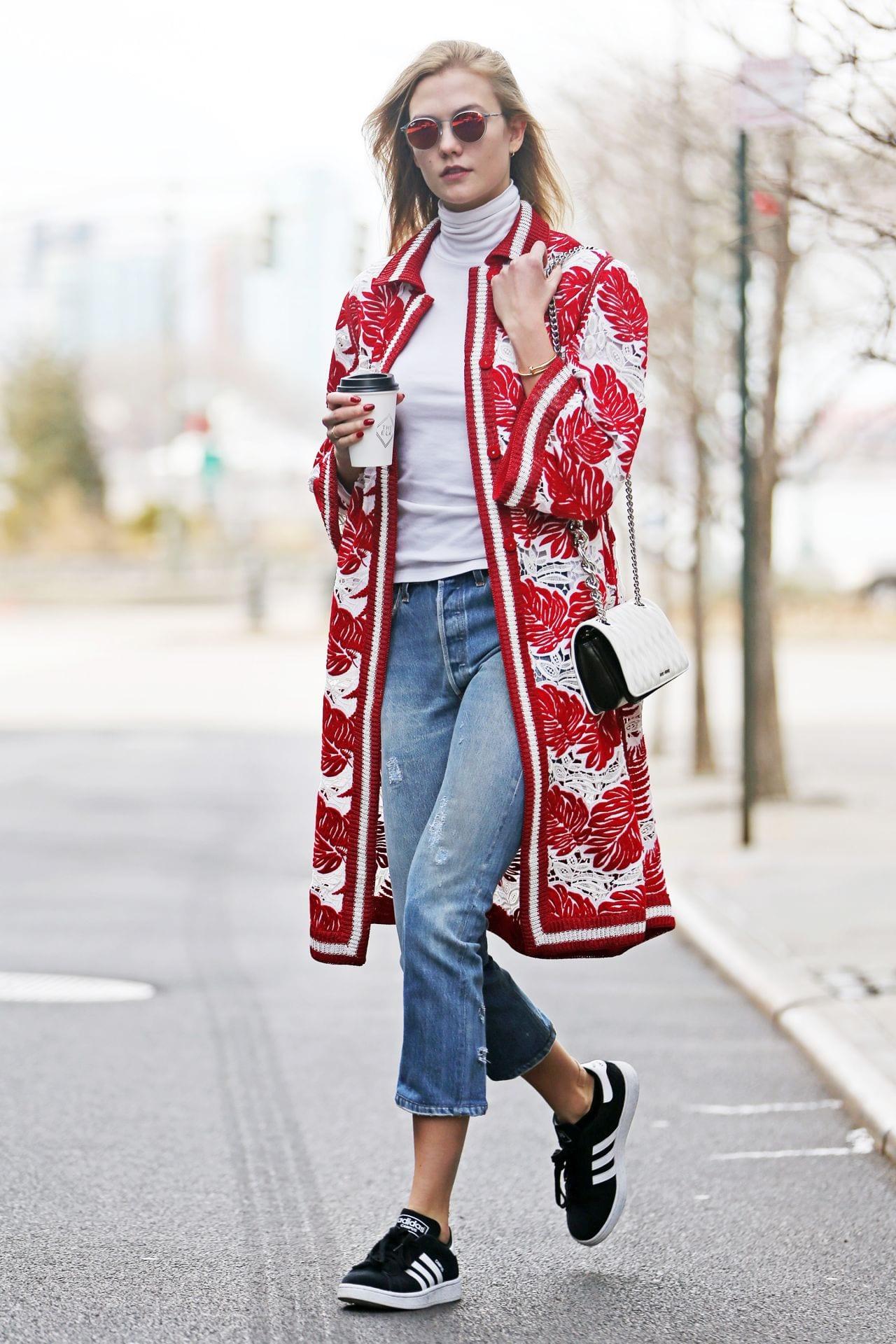 karlie-kloss-street-style-