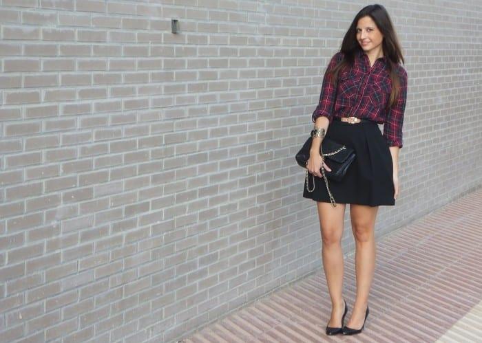 camisa de cuadros tartan y falda negra  (20)