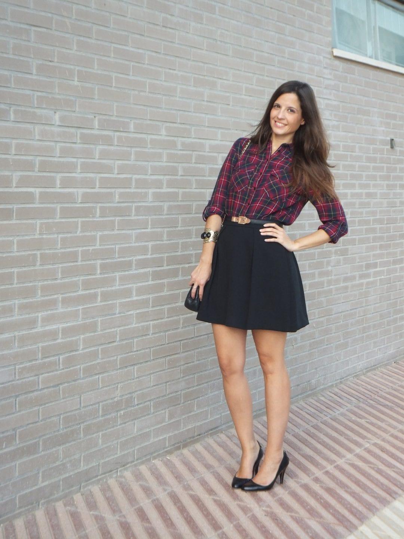 camisa de cuadros tartan y falda negra (6)