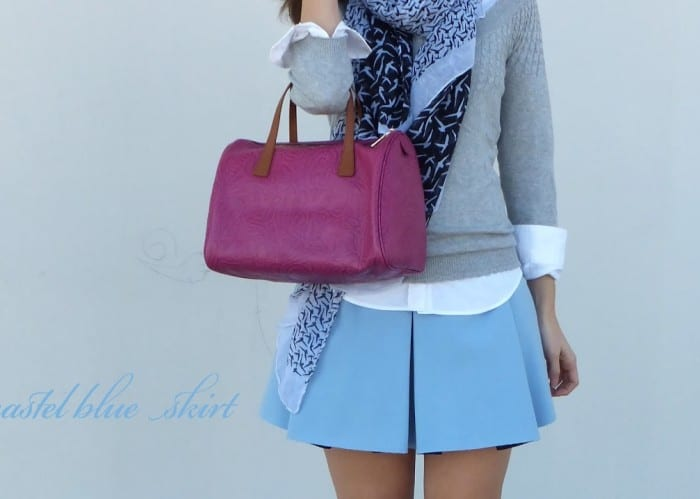 falda-azul-plisada-zara-bolso-bimba-y-lola-pañuelo-golondrinas-azul-y-blanco-zapatos-azul-marino-stradivarius-zara-blue-pastel-plaid-skirt-6-copia1