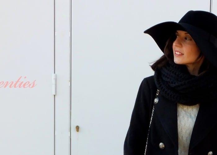 look-con-pamela-como-llevar-pamela-look-años-setenta-jeans-botines-u-Adolfo-Dominguez-stradivarius-blanco-vintage-abrigo-5-copia
