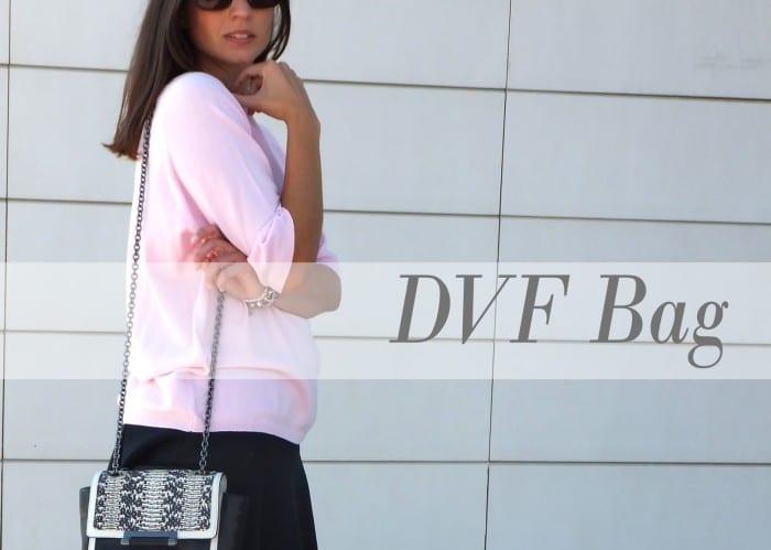 look-con-falda-negra-de-vuelo-jersey-rosa-claro-de-zara-sandalias-Bimba-y-Lola-y-bolso-de-Diane-Von-Furstenberg-via-THE-OUTNET-181