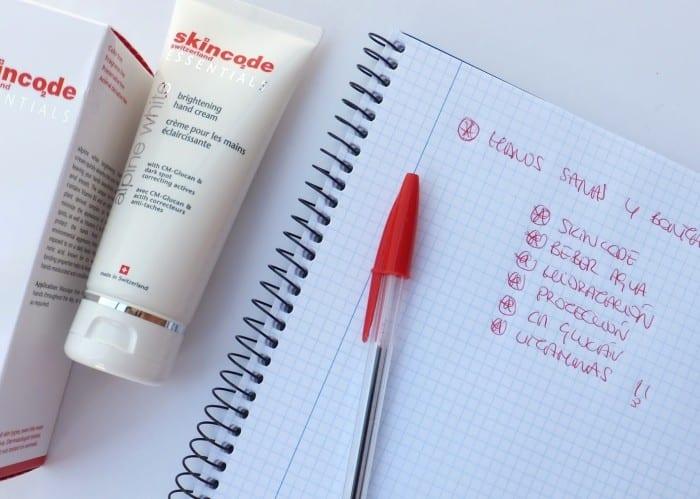 Skincode-crema-manos-hidratante-suiza-alta-comsética-lujo-291