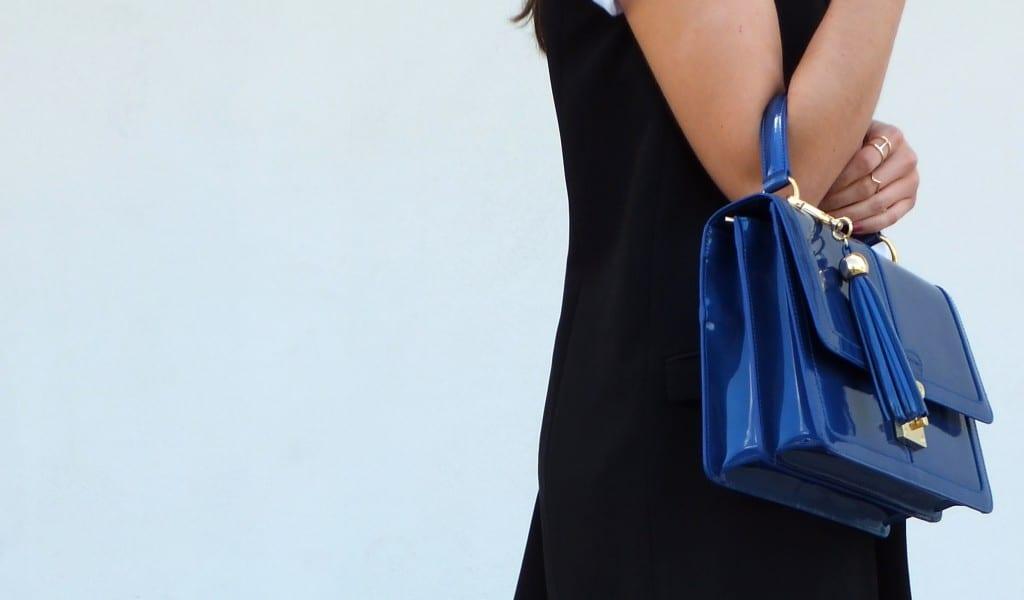 bolso de mano azul