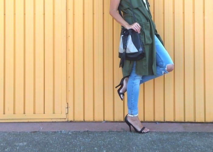 blogger combinando chaleco verde militar