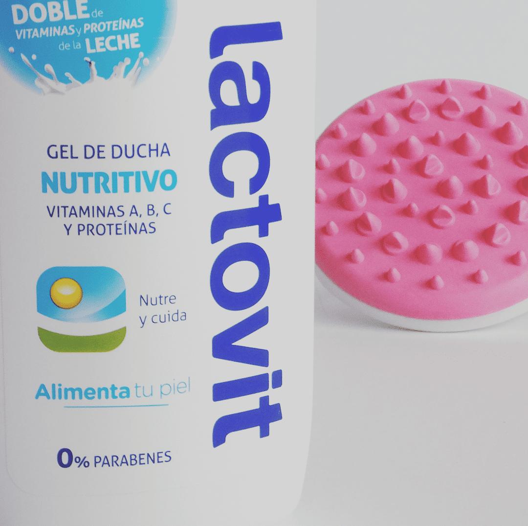 bote de lactovit gel ducha nutritivo y cepillo masajeador