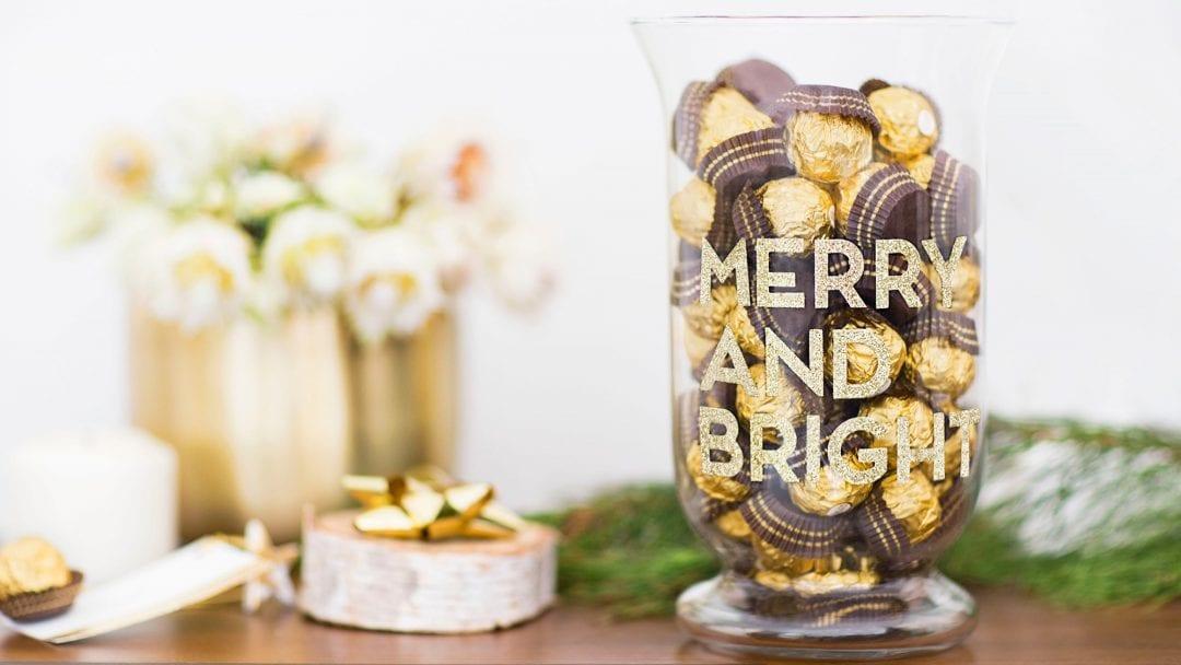 mesa decorada con bombones Ferrero Rocher