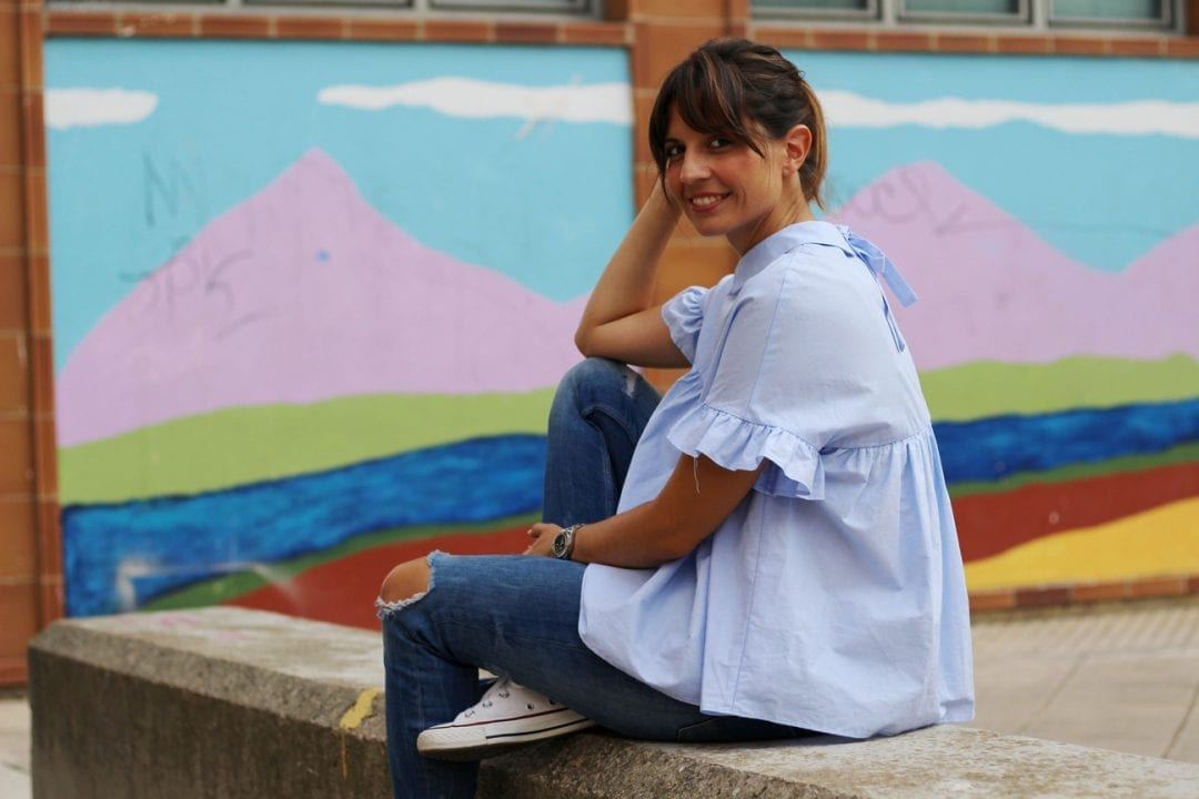 bloguera española camisa volantes zara azul