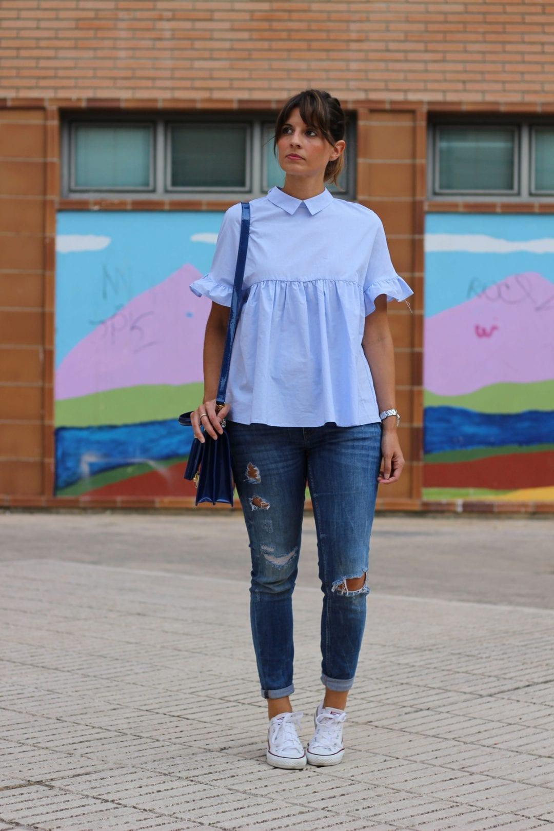 bloguera de moda con camisa volantes zara azul (21)