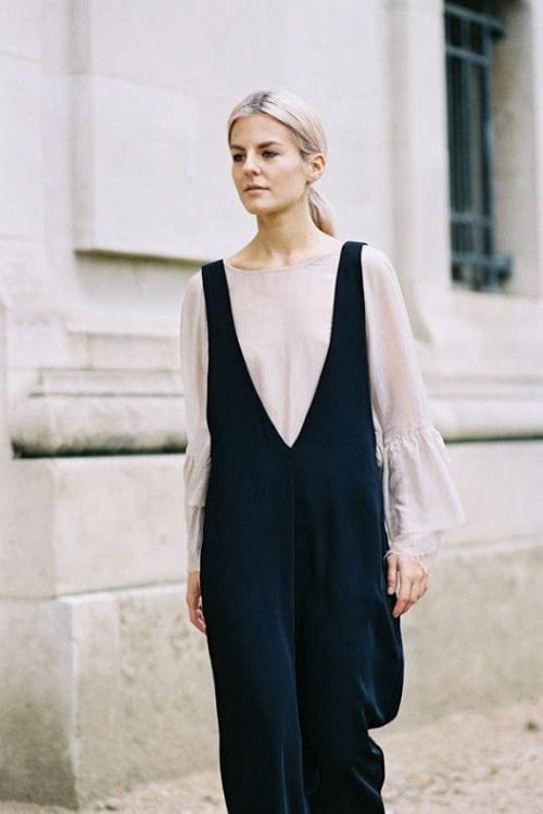 outfit con vestido de terciopelo
