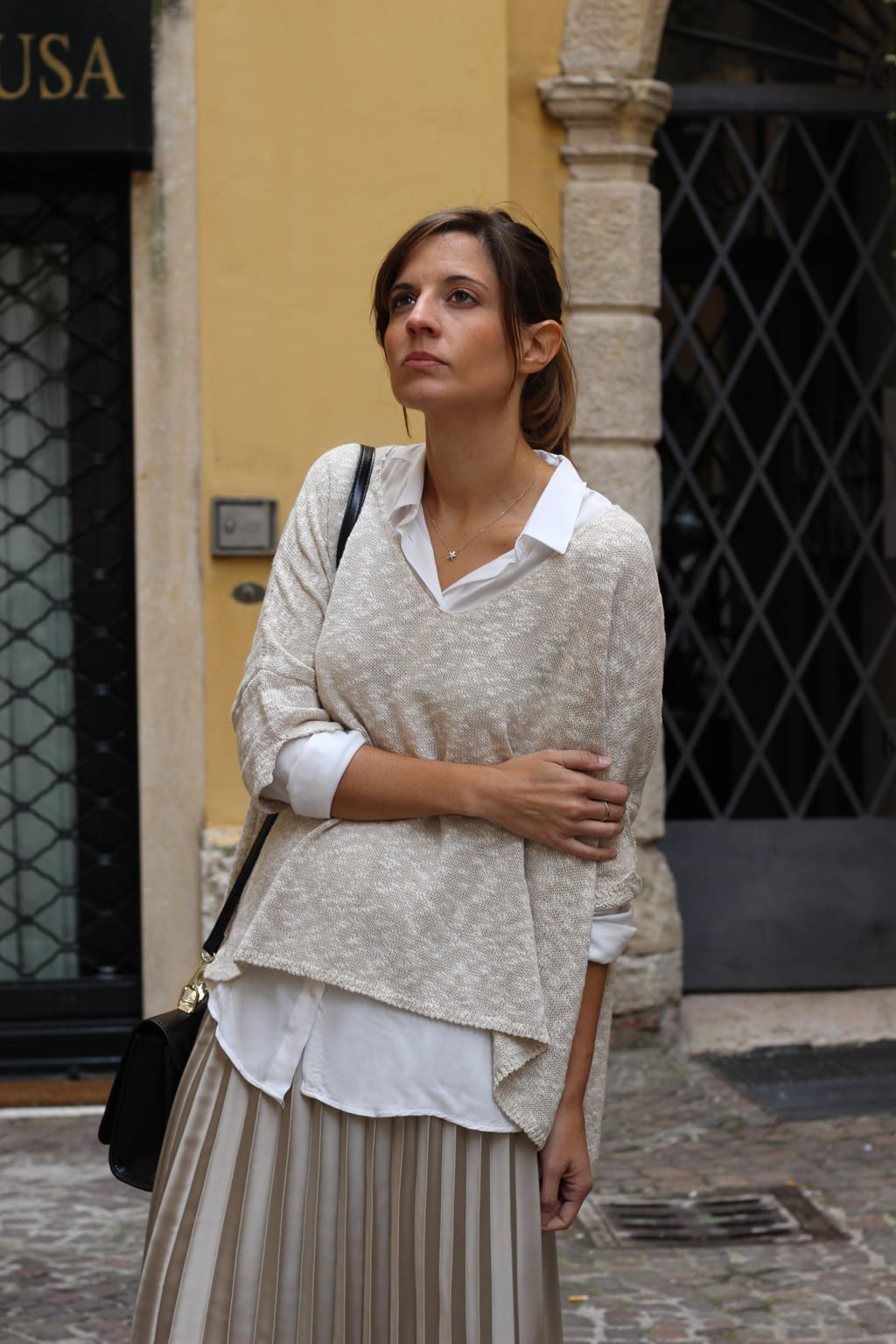 falda plisada outfit fashion blogger