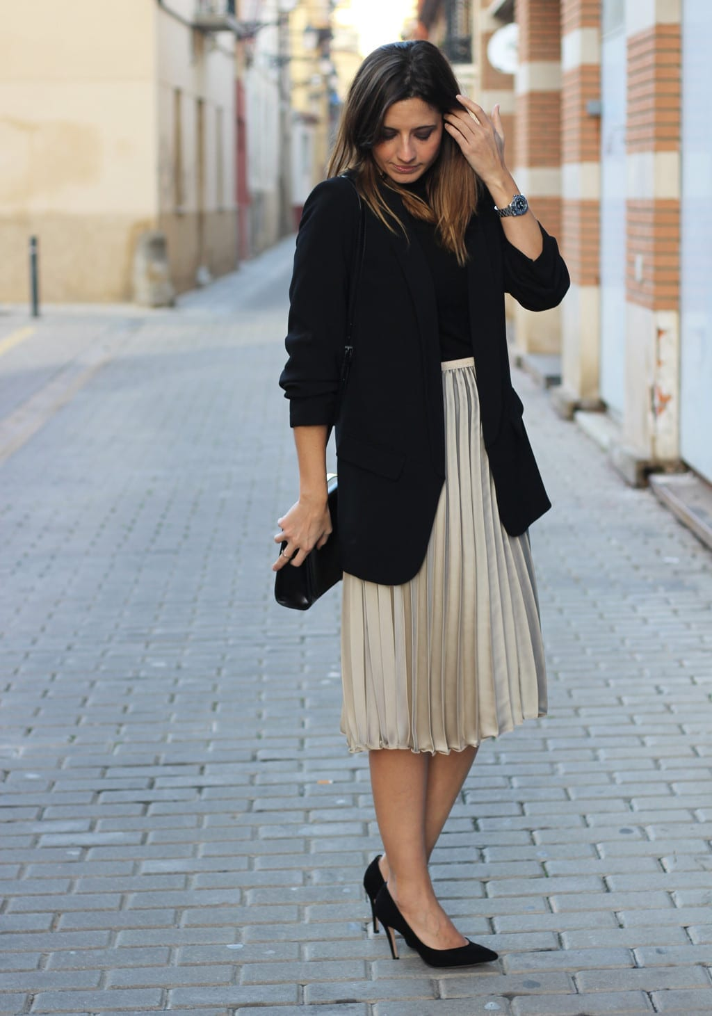 christmas outfit with pleated midi skirt