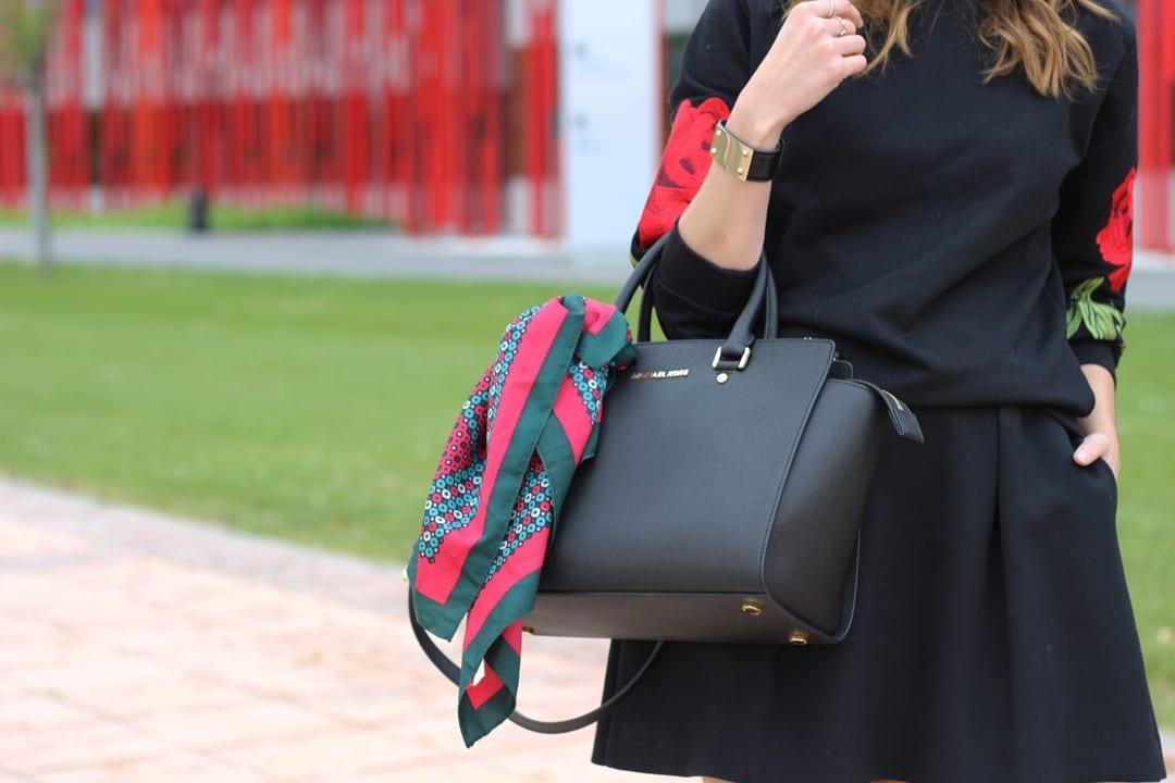 comprar-en-Romwe-sudadera-flores-bordadas-mules-clon-Gucci