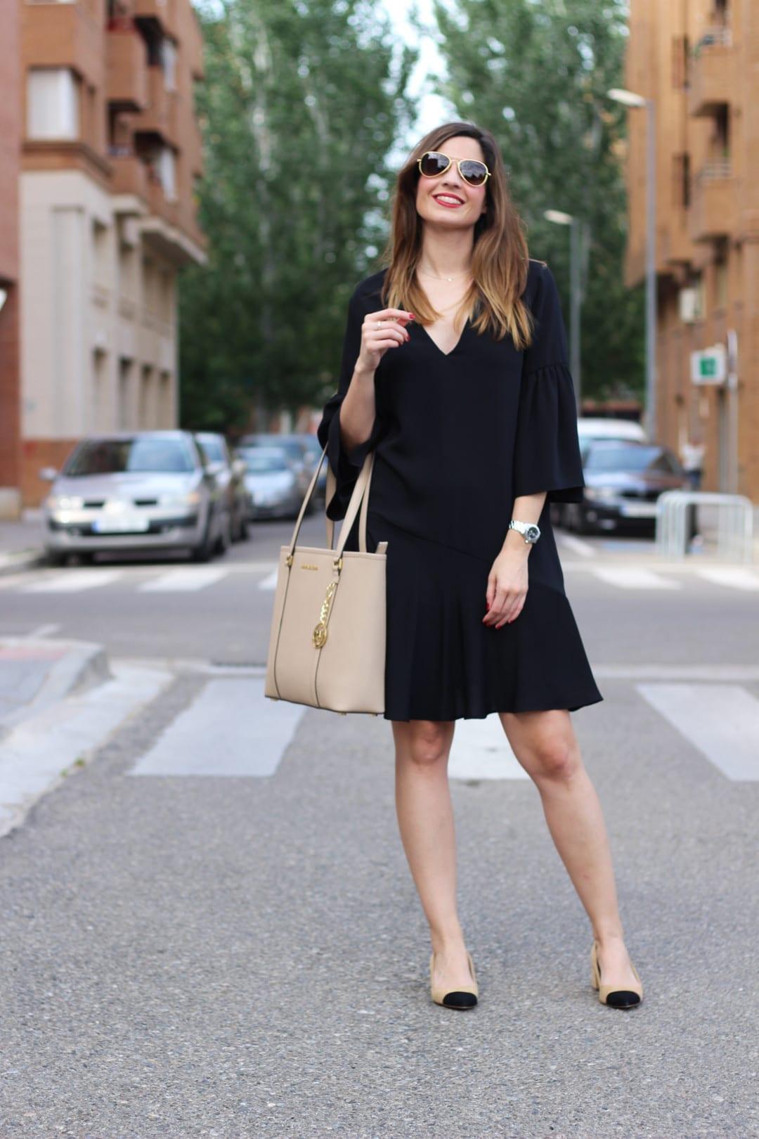 vestidos negros volantes verano 2017