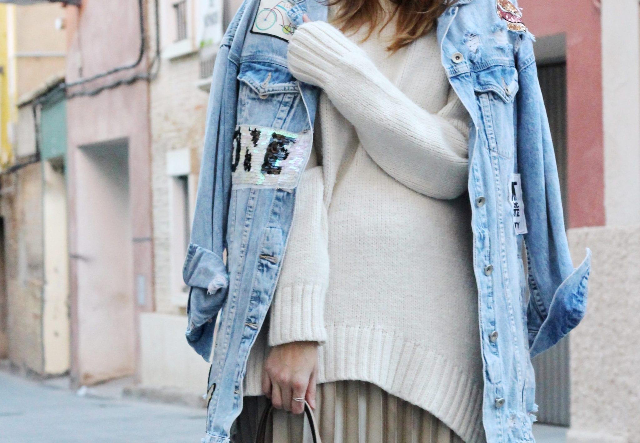 cazadora vaquera mujer falda midi plisada jersei mujer blog moda