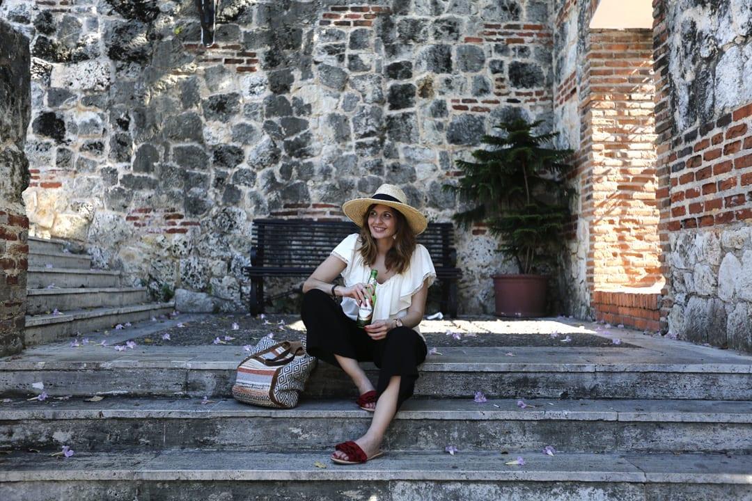 bloguera moda santo domingo blusa de zara pantalón culotte sombrero fedora paja asos
