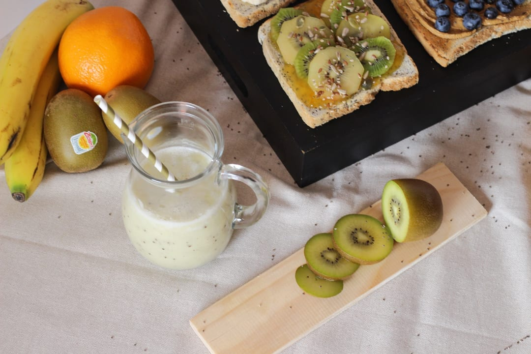 healthy breakfast ZespriSunGold recipe yellow kiwi