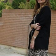 how to wear a leopard print dress - blogger with animal print dress