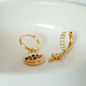 pendientes de oro en forma cruz y circonitas Hotei